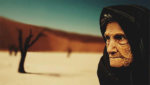stařenka na poušti.jpg