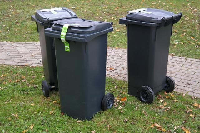 plastové popelnice.jpg