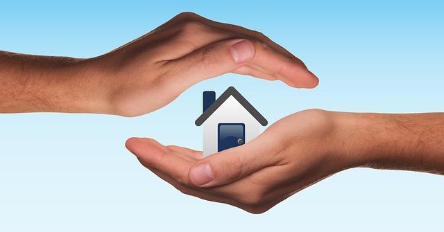 ruce jako ochrana domu
