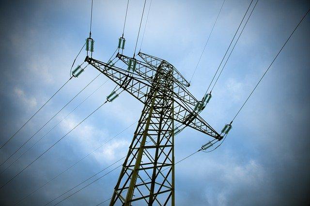 transformátor přivádí elektřinu.jpg